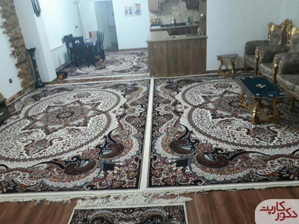 نمای فرش چیچک کرم در دکوراسیون کرم قهوه ای