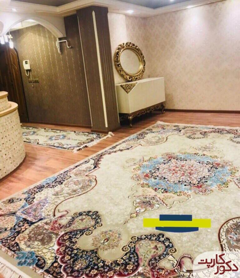 نمایی از فرش طرح الی یا اعجاز به همراه کناره ای با همین نقشه