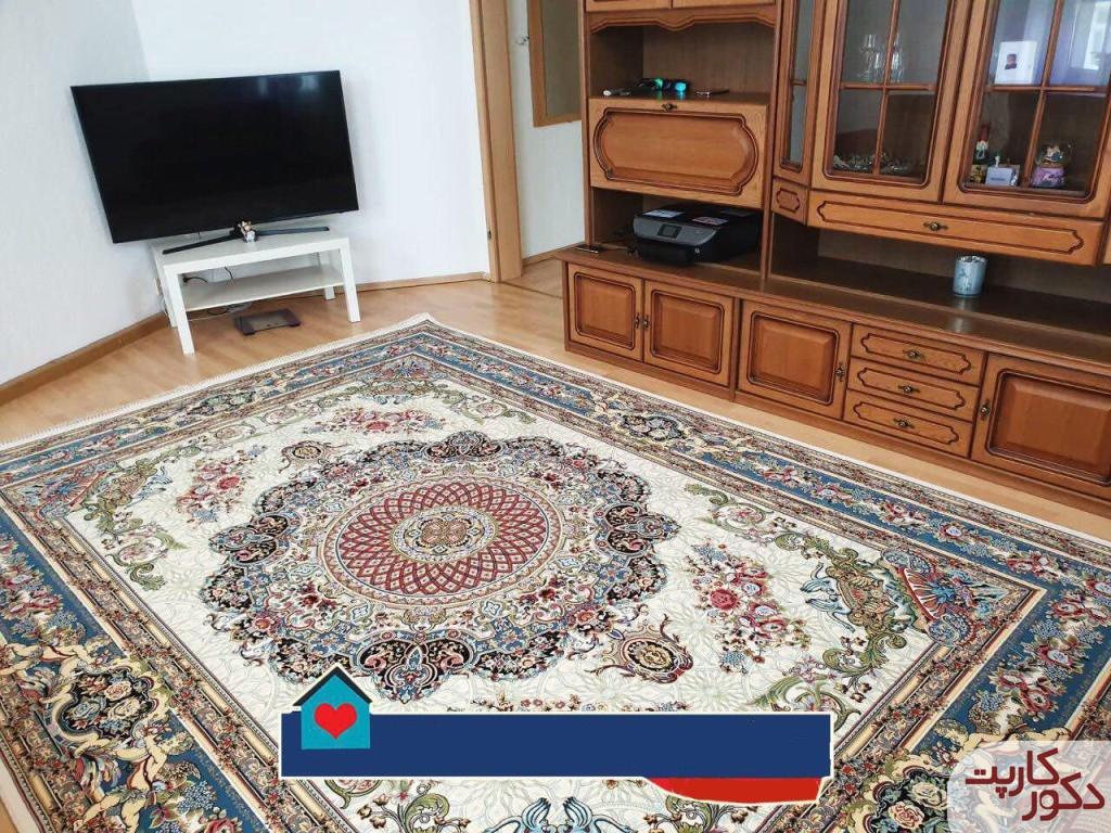 دکوراسیونی با فرش ۱۲۰۰ شانه هایبالک طرح فلورا کرم